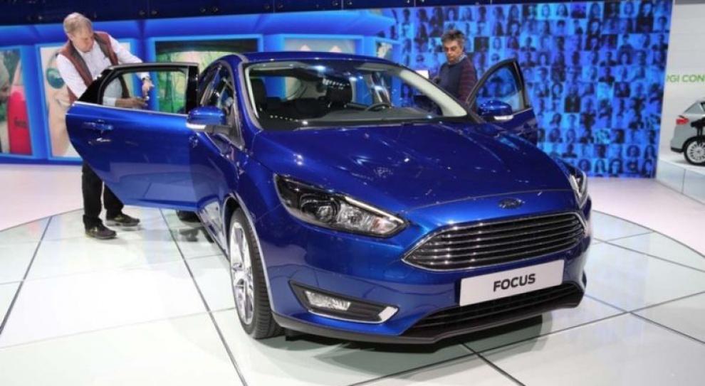 Ford tnie produkcję i zatrudnienie