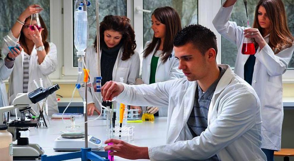 Badania naukowe wpływają na zatrudnienie, biznes i produkcję w całym kraju