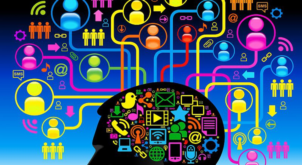 Internet i media społecznościowe dają pracownikom siłę współtworzenia wizerunku firmy