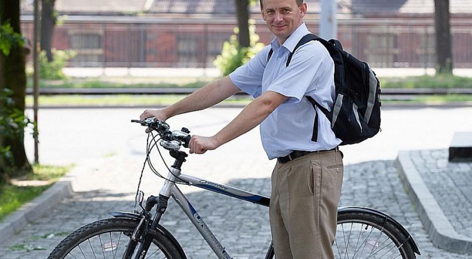Urzędnicy coraz chętniej wsiadają na rowery