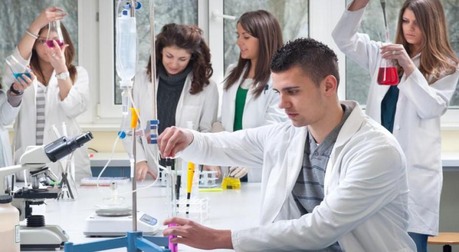 Uczelnie niemedyczne chcą kształcić lekarzy