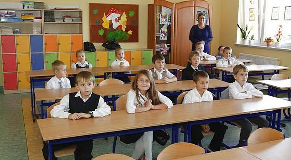 Tyle wyniosą minimalne i średnie stawki wynagrodzenia nauczycieli