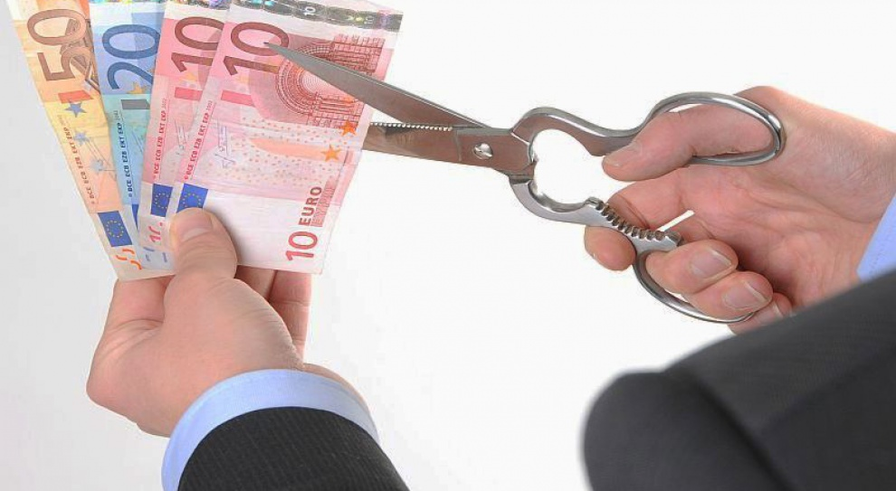 Polacy żyją na kredyt