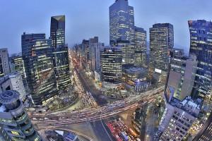 W koreańskiej korporacji wszyscy chodzą jak w zegarku