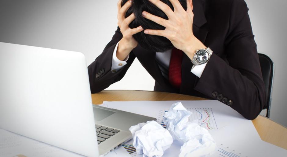 Pełny etat dla pracownika, to dla firmy pełna pułapek biurokracja