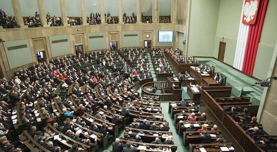 Wcześniejsze emerytury, odprawy, zasiłki - oto uprawnienia byłych parlamentarzystów