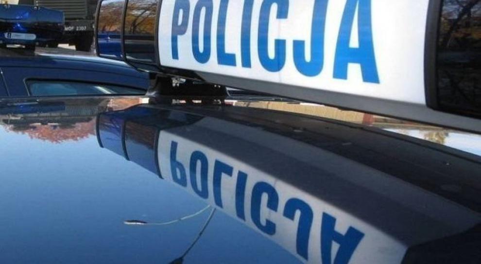 Policjanci sprzedawali tajne informacje