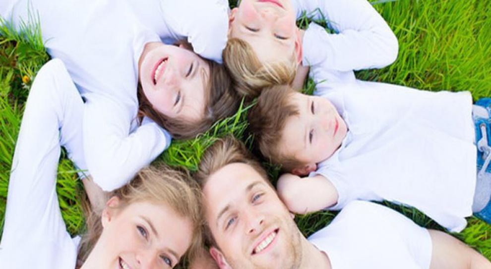 Większość Polaków spędza urlop w kraju razem z rodziną