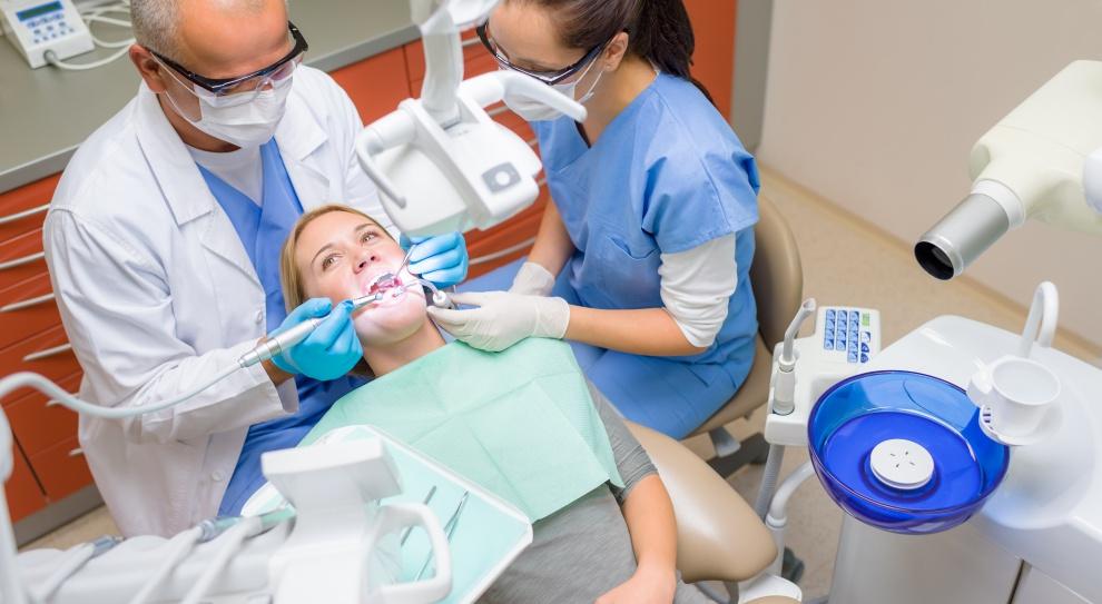 Lekarzom dentystom nie śpieszno na Zachód