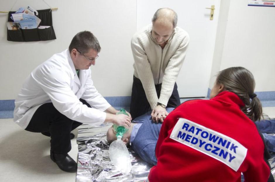 Nawet 15 tys. ratowników medycznych wykonuje zawód bez jakichkolwiek uregulowań