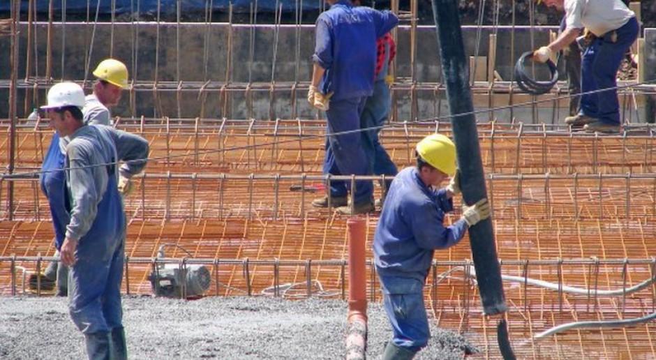 Oskładkowanie umów zlecenia: zwalnianie pracowników, przenoszenie ich do szarej strefy