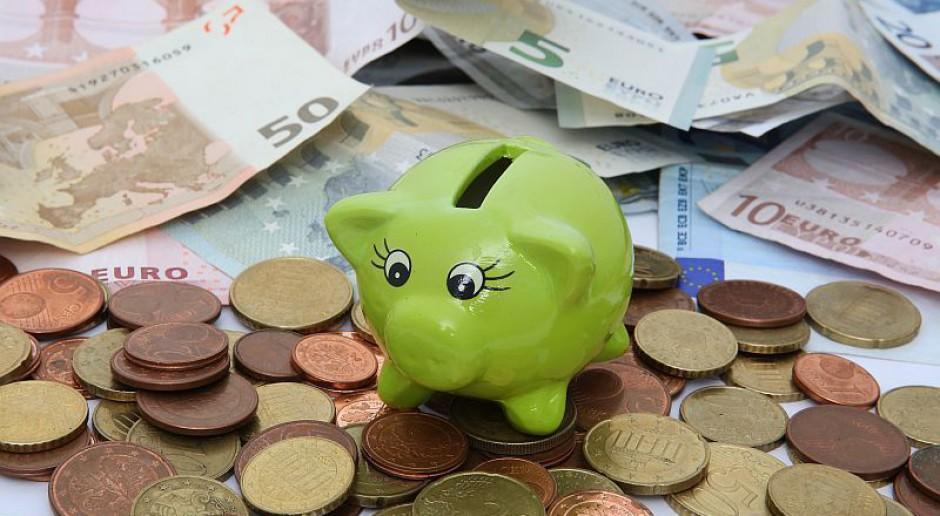 Co się zmieniło w ustawie o dochodach urzędników przez ostatnie lata?