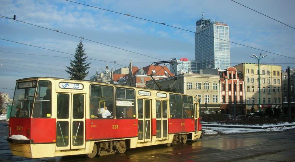 Kontrolerzy biletów pobili pasażerów w katowickim tramwaju