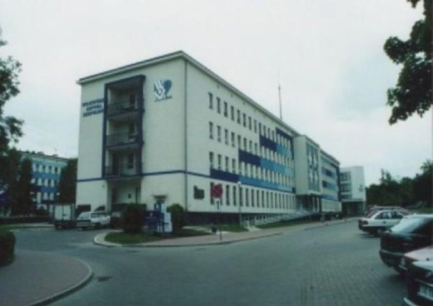 Łączą szpitale w Kielcach. Co z załogą?