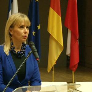 Unijna komisarz ostro o dyrektywie o pracownikach delegowanych