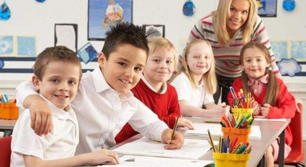 Pomimo zapewnień MEN-u nie ma dodatkowej pracy dla nauczycieli i asystentów