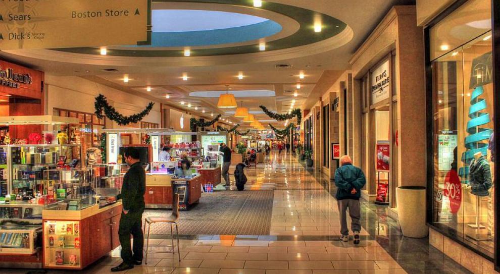 Centra handlowe zabierają miejsca pracy?