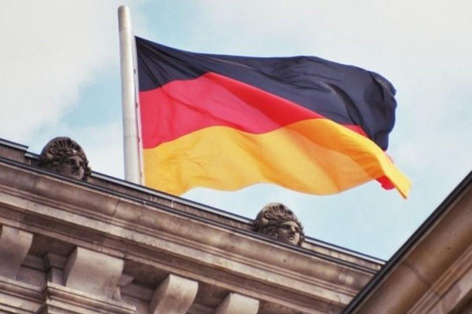 Niemcy żałują, że tak długo zamykali rynek pracy dla Polaków
