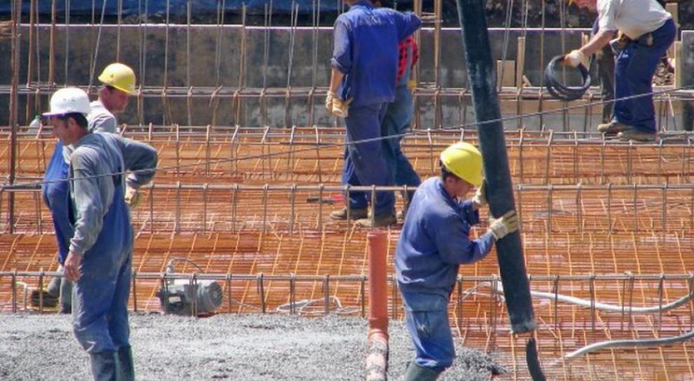 Dawniej robotnik budowlany mógł utrzymać trzyosobową rodzinę. Dziś nie jest tak kolorowo