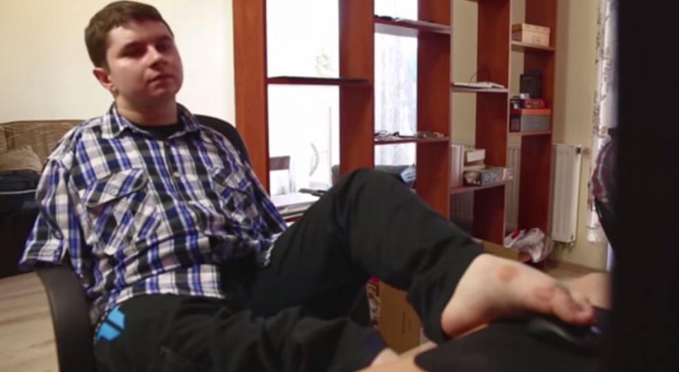 Polski programista tworzy gry... stopami