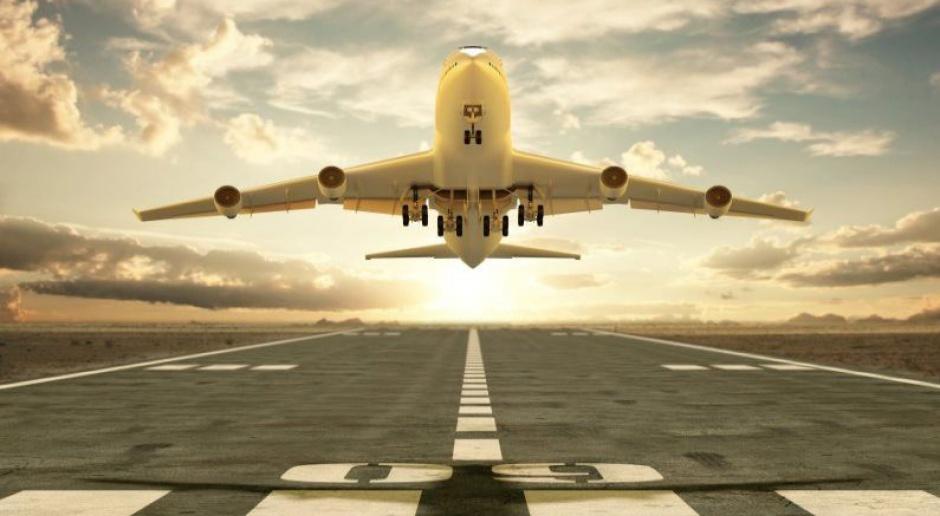 Prezes Lufthansy przeprasza na Youtube. Linie lotnicze tracą miliony