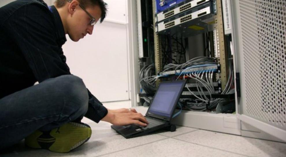 Usługi biznesowe potrzebują specjalistów IT. Najlepiej polskich