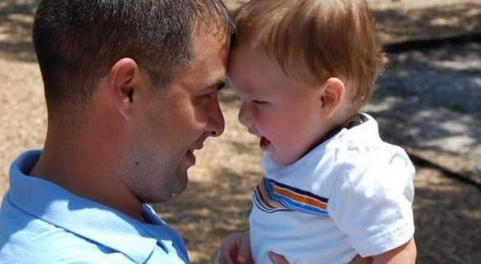 Urlopy rodzicielskie? Ojcowie są dyskryminowani