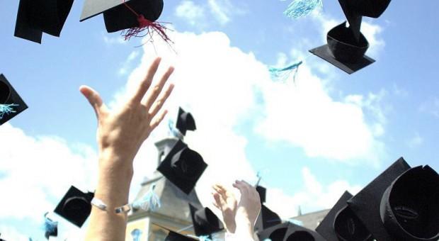 Studia za granicą zmniejszają bezrobocie