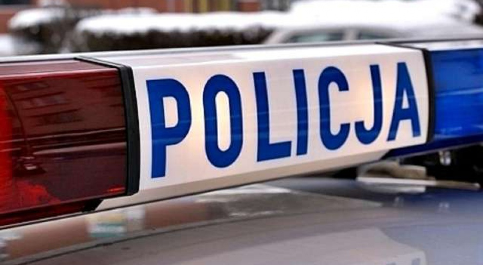 35 tys. policjantów przeszkolonych. Już korzystają z nowego oręża do walki z przemocą w rodzinie