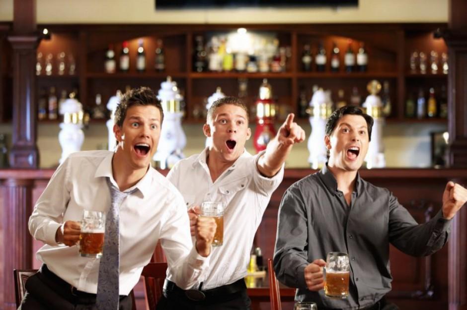 Na piwo zpracownikami? Niezawsze udaje się wyjść ztwarzą