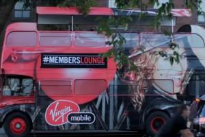 Branson zwalcza bezrobocie młodych... muzyką