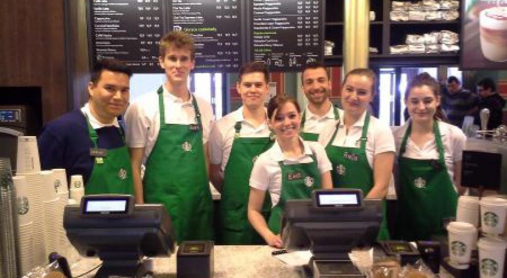 Zmiany w Starbucksie. Pracownicy będą mogli mieć tatuaże