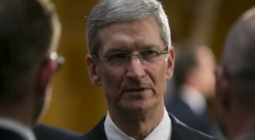 """Tim Cook, prezes Apple: """"Jestem dumny z bycia gejem"""""""