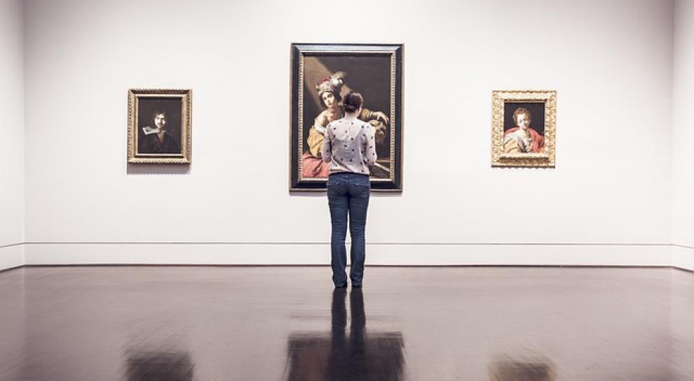 Praca w kulturze raczej dla sztuki, niż dla pieniędzy...