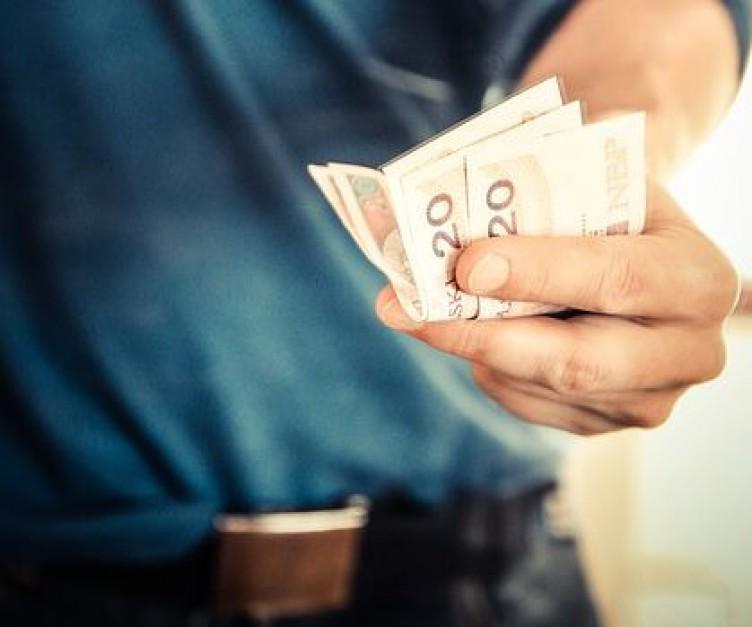 Walka o podwyżkę. Kiedy pracownicy proszą owiększą pensję?