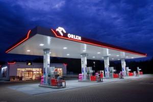Kilkuset związkowców spółek PKN Orlen pikietowało w Warszawie