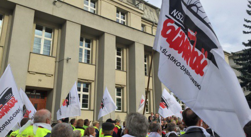 Związkowcy: To Skarb Państwa powinien przejąć na siebie deputaty węglowe