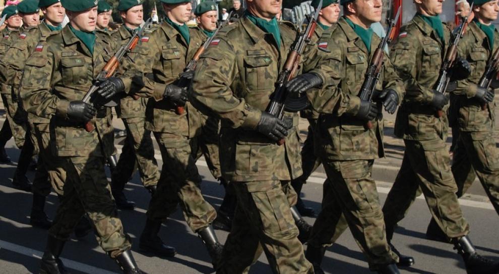 Szukają chętnych do wojska. Kto musi stawić się przed komisją?
