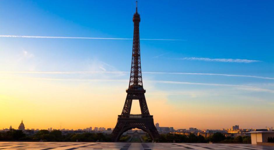 Francuzi będą spędzać więcej czasu w pracy?