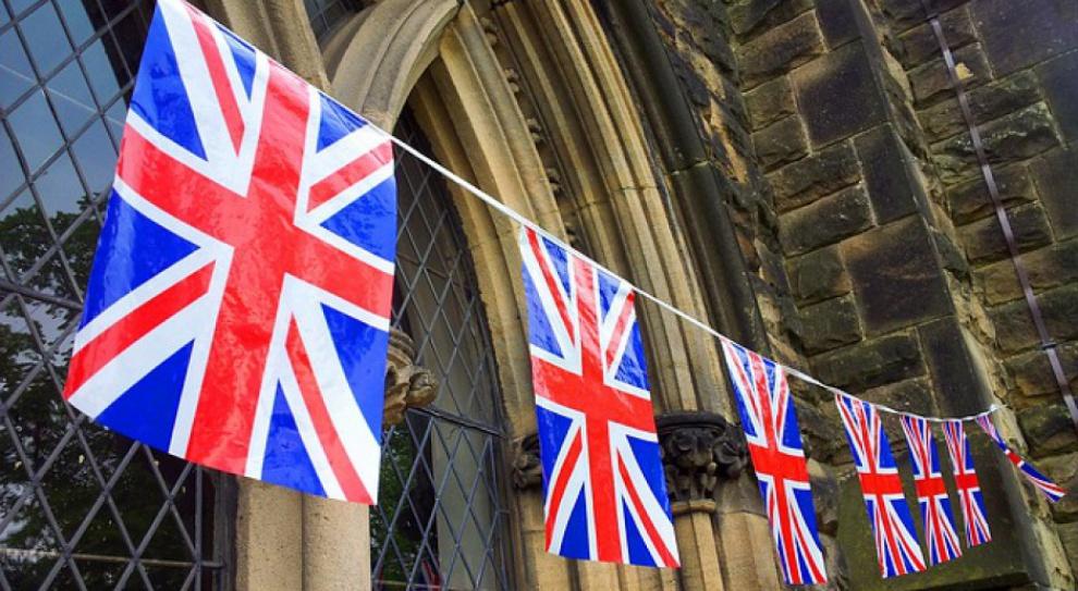 Wciąż więcej osób przyjeżdża do W. Brytanii, niż z niej wyjeżdża