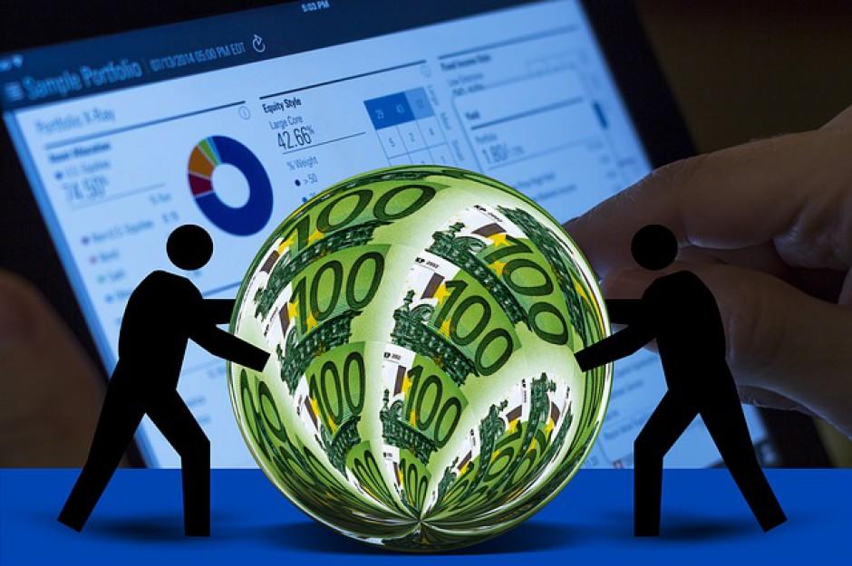 OECD: Przepaść między najlepiej, a najgorzej zarabiającymi coraz większa