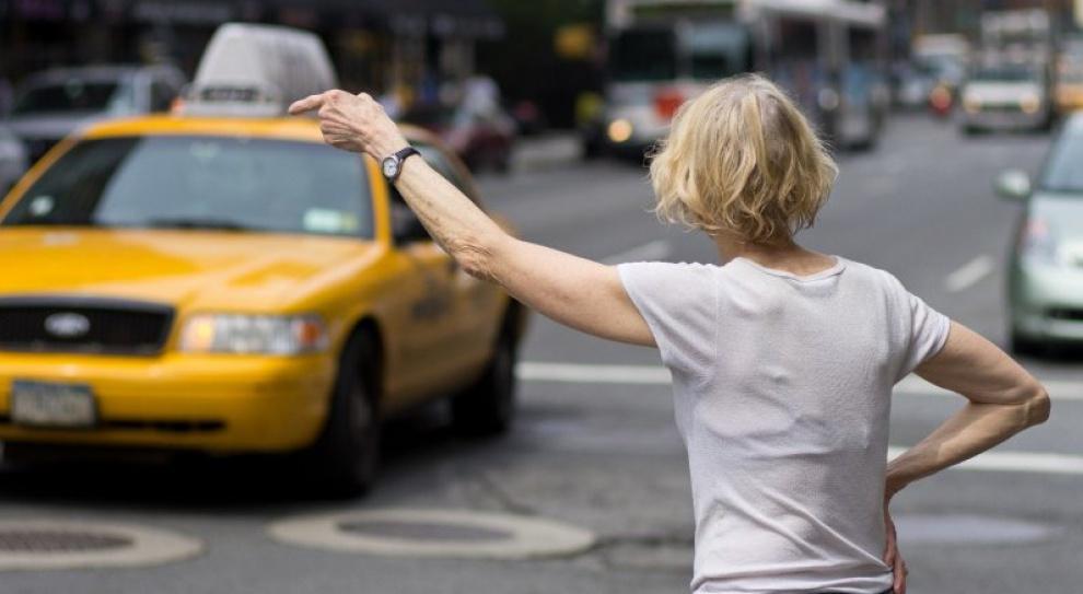 Paryż: Uber kontra taksówkarze. Kto wygra spór?