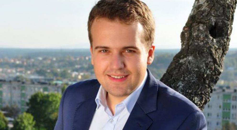 Najmłodszy prezydent w Polsce ostro tnie wynagrodzenia w miejskich spółkach