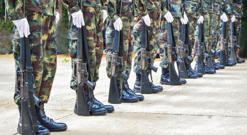 Kontrakty w sektorze obronnym to szansa na pracę dla byłych wojskowych