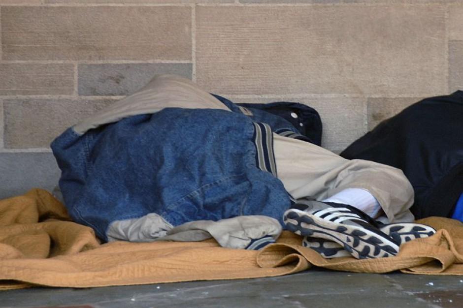 Wrocławski MOPS pomaga bezdomnym. Dzięki programowi sprzątają mieszkania i zarabiają