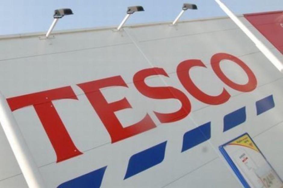 Brytyjskie Tesco zamyka 43 sklepy.  Pracownicy uznani za niezbędnych zachowają stanowiska