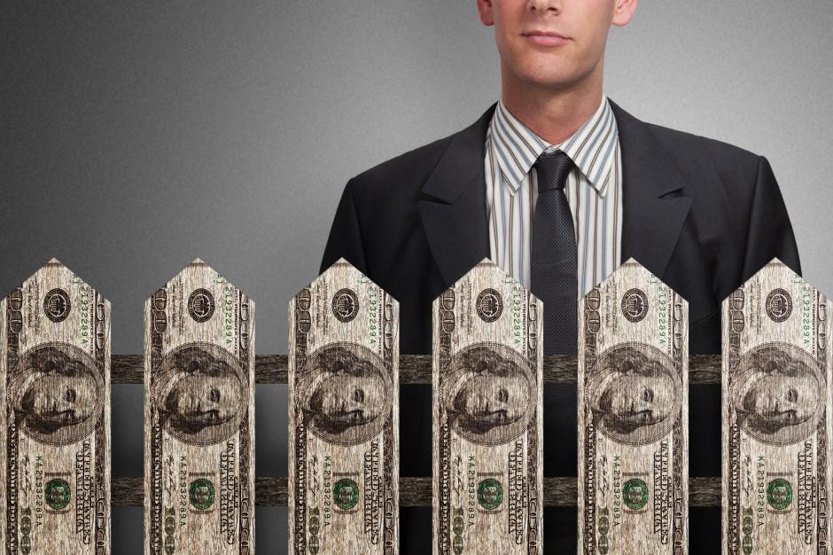 Eksperci: Znaczne zmniejszenie luki płacowej między pracownikami a prezesami jest niemożliwe