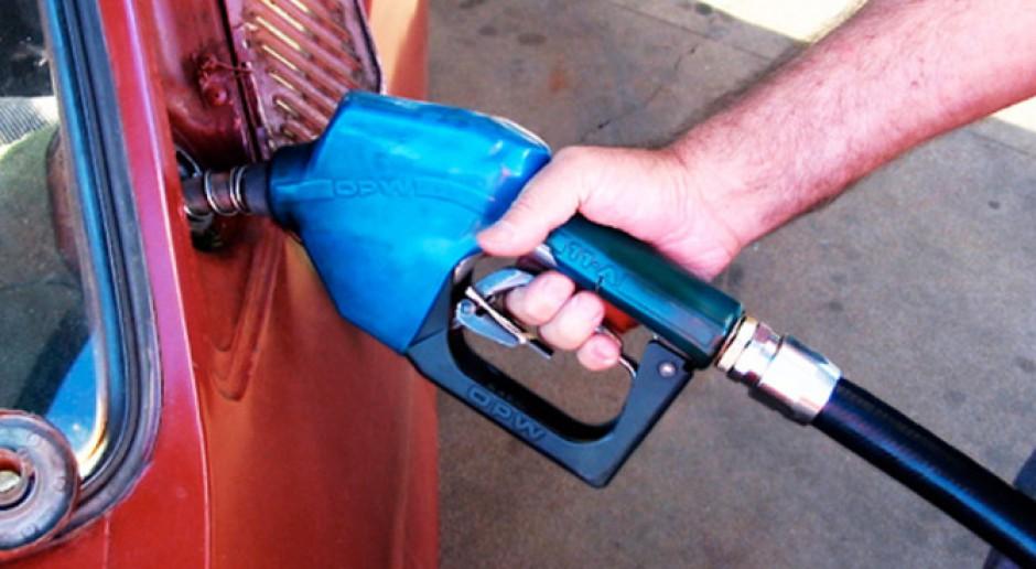 Ceny ropy spadają. Ludzie tracą pracę