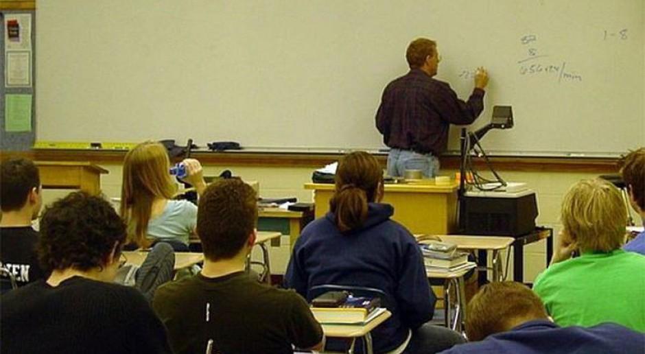 Uczniowie coraz częściej wybierają technika i szkoły zawodowe
