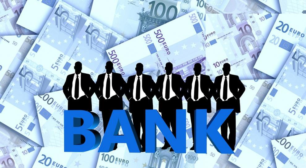 Jakie są trendy zatrudnienia w sektorze bankowym?